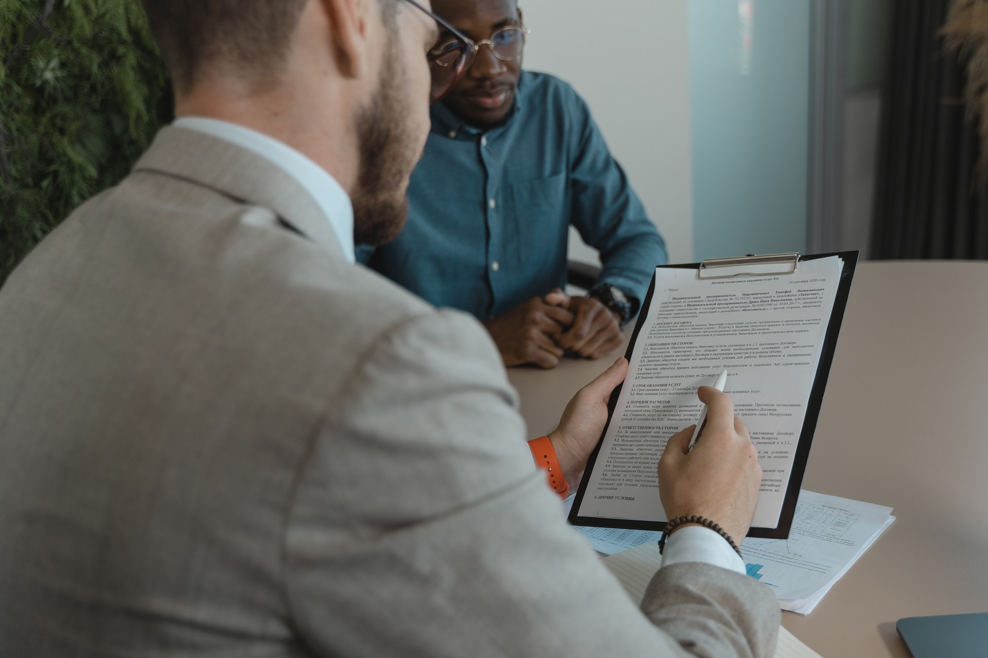 Why Should You Hire An Employment Law Expert For Your Business